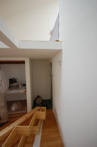 ロフトの階段互い違い階段LXP-type取り付け前