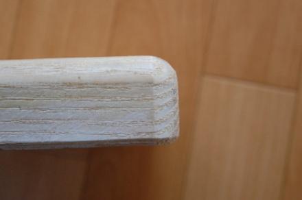 ロフトの階段ホワイトアイアン スマートステップ 段の丸目面取り