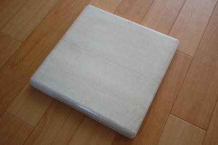 ロフトの階段ホワイトアイアン スマートステップ タモ集成材白に着色