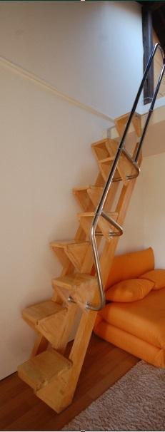 ロフトの階段互い違い階段VX-Type クリックすると写真の説明が見られます