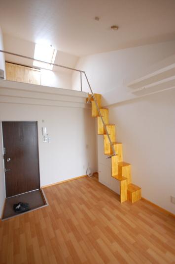 ロフトの階段互い違い階段5