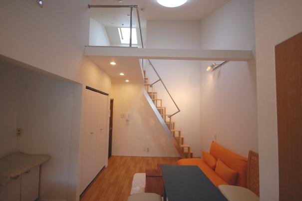 ロフトの階段互い違い階段2