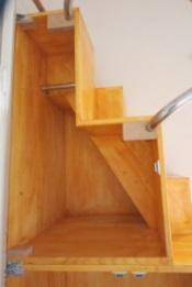 家具階段上部内部