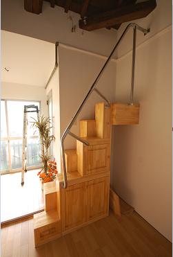 互い違い階段家具階段