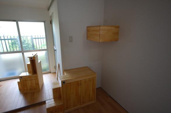 家具階段一段目奥に二段目