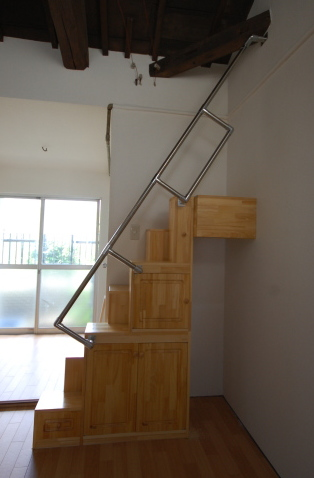 家具階段完成側面