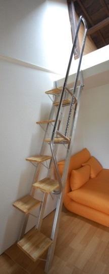 互い違い階段YX-Type斜め写真
