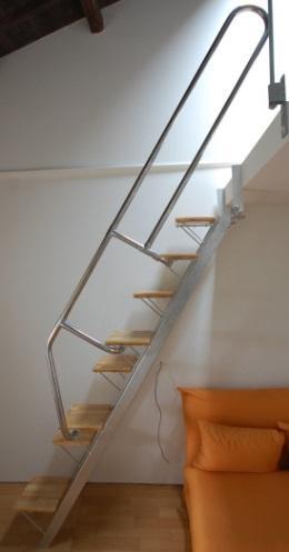 互い違い階段YX-Type横写真
