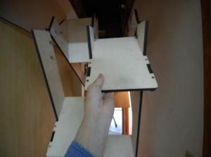 折り畳み互い違い階段伸ばしているところ1