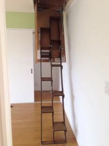 折り畳み互い違い階段施工例茨城県W様出したところ