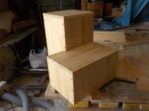 折れ階段の下二段を作りました。