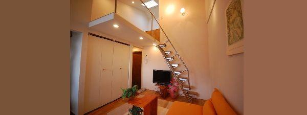 ロフトの階段には手すり付でしかも綺麗
