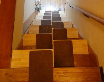 段違い階段の説明 上からの写真