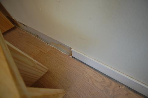 家具階段の取り付け方 幅木2
