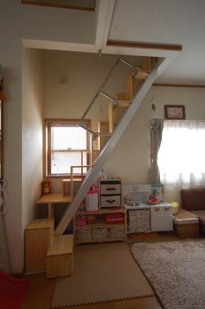 互い違い階段13段の折れ階段