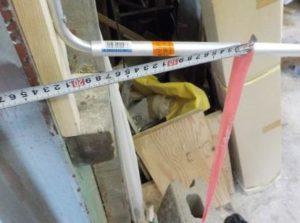折り畳み互い違い階段の手すり取付根元 丸アルミ型材を用いる場合 2984N・cmで曲がる