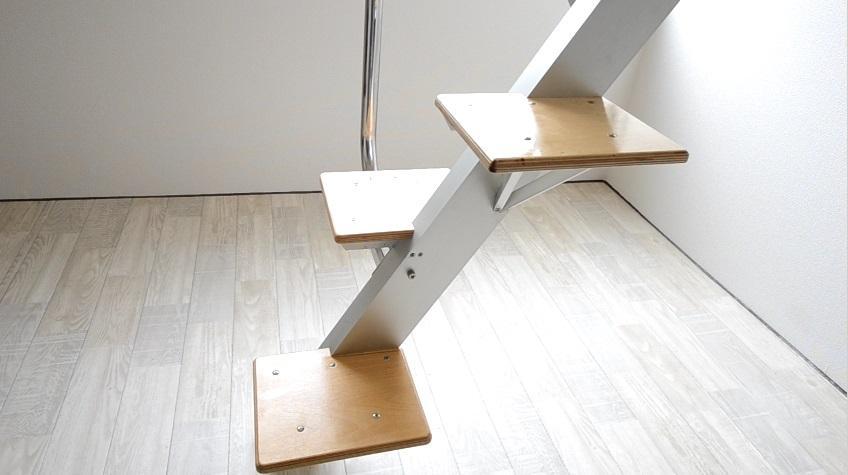 ロフトの階段互い違い階段ロフトくん 側面拡大