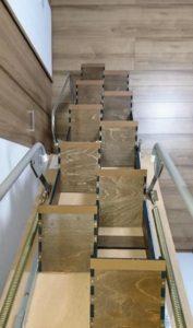 折り畳み互い違い階段施工例千葉県ちばっしー様 上からの写真