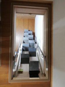 折り畳み互い違い階段のお客様アンケート東京M様上からの写真