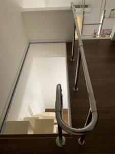 大阪O様互い違い階段LX-Type上からの写真